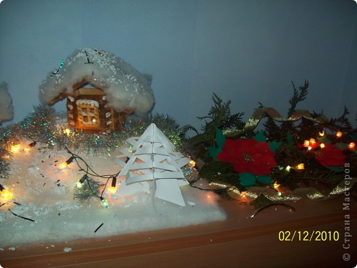 """Однажды, увидев в """"Стране мастеров"""" рождественскую деревню, я просто загорелась   мечтой её сделать. И вот насупает Новый год и Рождество, и у нас в классе появилась своя праздничная деревенька..! фото 3"""