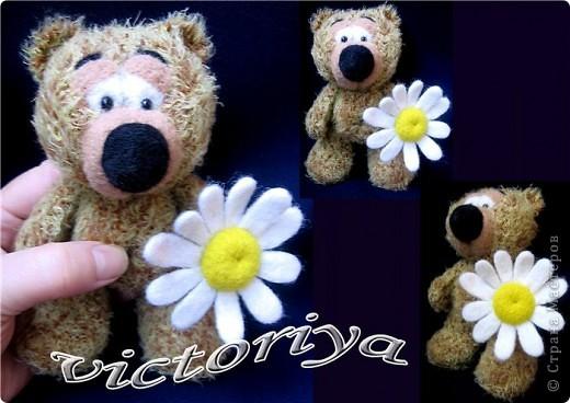 У нас появился вот такой мишенька ,собрался на свидание и робеет ))))))))))