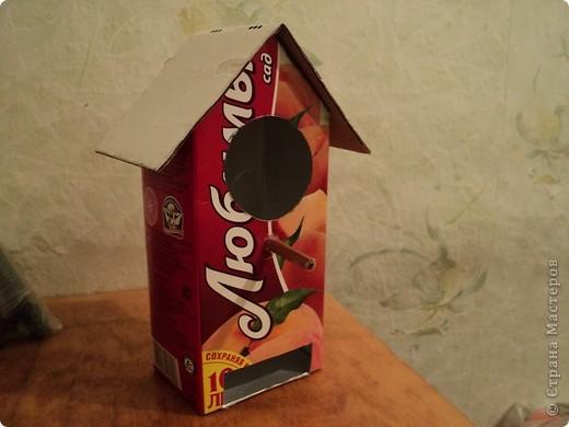 Захотелось и мне смастерить свой чайный домик. Порылась на сайтах и увидела домик из под коробки под сока. Вот что из этого получилось. фото 2