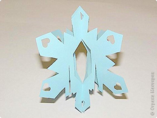 Снежинка в технике КИРИГАМИ фото 3