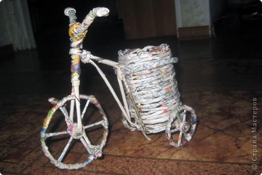 Велосипедик, правда букетик не для него, просто цветочки сушить было негде, ну и чтобы просто пустым не стоял.  фото 3