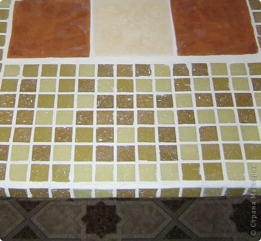 Решила декорировать старый стол. Сначала удалила старое покрытие. фото 9