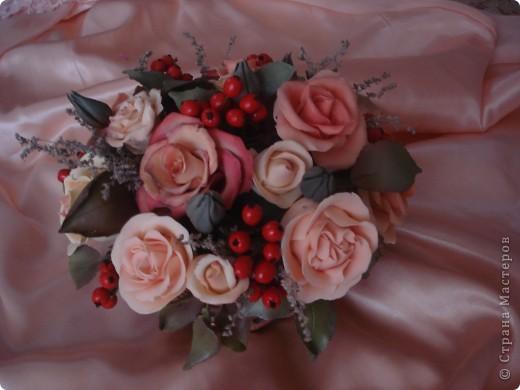 розово-ягодная композиция в корзине фото 4