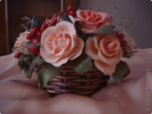 розово-ягодная композиция в корзине фото 3