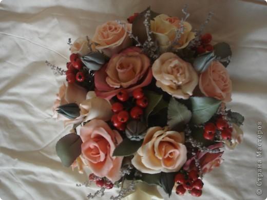розово-ягодная композиция в корзине фото 5
