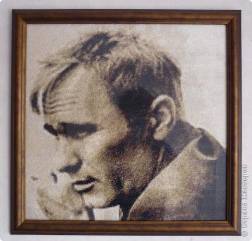 Шукшин Василий Макарович - русский советский писатель, кинорежиссёр, актёр, заслуженный деятель искусств РСФСР. Размер 45х45 см