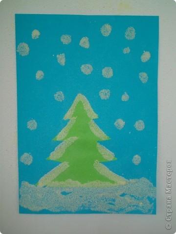 Такие снежные елочки делали с детками 3-4 лет. Решила для мамочек выложить МК. Сама по себе поделка очень легкая.  фото 12
