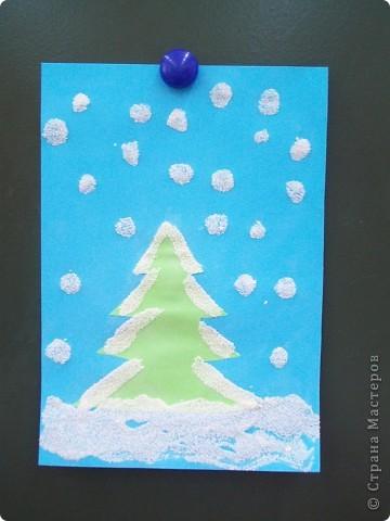 Такие снежные елочки делали с детками 3-4 лет. Решила для мамочек выложить МК. Сама по себе поделка очень легкая.  фото 13