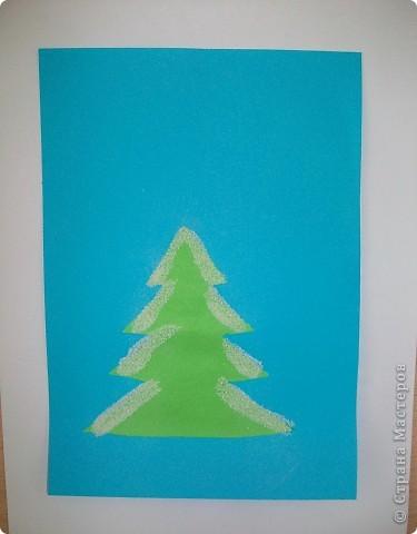 Такие снежные елочки делали с детками 3-4 лет. Решила для мамочек выложить МК. Сама по себе поделка очень легкая.  фото 6