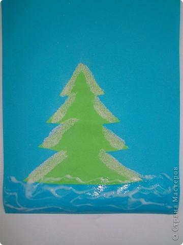 Такие снежные елочки делали с детками 3-4 лет. Решила для мамочек выложить МК. Сама по себе поделка очень легкая.  фото 7