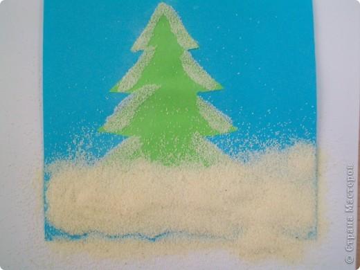 Такие снежные елочки делали с детками 3-4 лет. Решила для мамочек выложить МК. Сама по себе поделка очень легкая.  фото 8