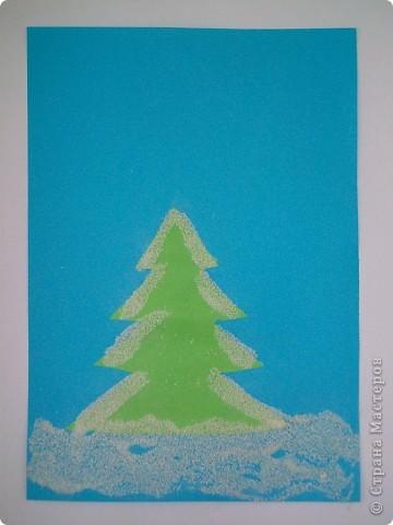 Такие снежные елочки делали с детками 3-4 лет. Решила для мамочек выложить МК. Сама по себе поделка очень легкая.  фото 9