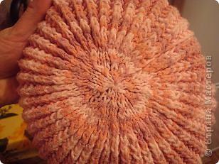Вязанная спицами шапка на зиму.  Очень теплая, так как в качестве подклада использован флис. фото 3