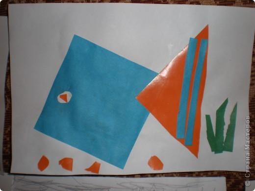 Рыбка (аппликация из геометрических фигур) фото 2
