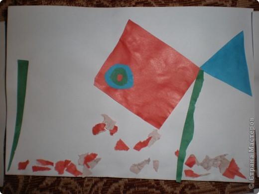 Рыбка (аппликация из геометрических фигур) фото 3