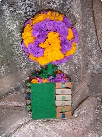 совместили  деревце  и  комодик из  спичечных  коробков,подарили   бабушке  на день матери, понравилось, в  каждый  ящичек   положили  по  конфетке  фото 3
