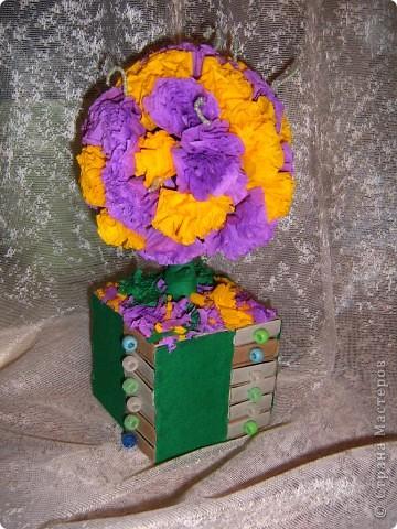 совместили  деревце  и  комодик из  спичечных  коробков,подарили   бабушке  на день матери, понравилось, в  каждый  ящичек   положили  по  конфетке  фото 2