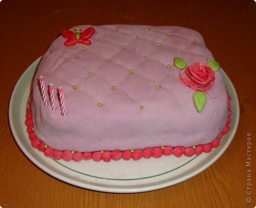 Делала ко дню рождения тортик, решила поснимать процесс. А так как готовки было очень много, тортик вышел простенький и быстрый. Сделать такой можно буквально за час. фото 8