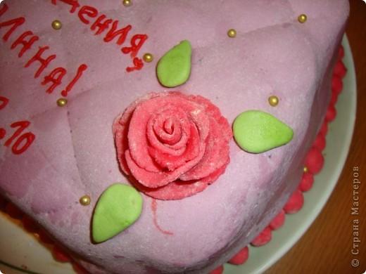 Делала ко дню рождения тортик, решила поснимать процесс. А так как готовки было очень много, тортик вышел простенький и быстрый. Сделать такой можно буквально за час. фото 9