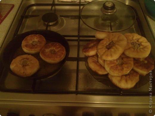 Пирожки сладкие с яблоком. Может и вы все это знаете, но тонкости у каждого свои. фото 5