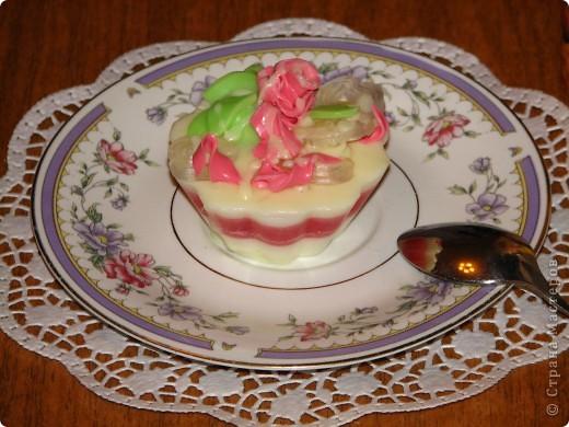 """Мыло """"Розовый мрамор"""" Мои первые свирлы... Масло репейное с ромашкой, масло кокоса, эфирные масла лимона, апельсина, грейпфрута. С добавлением какао и шоколада. фото 5"""