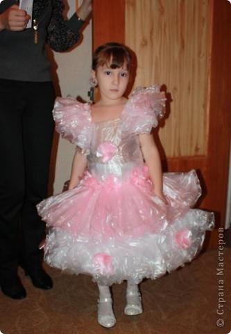 Дочь Маруся в костюме Нюши из Смешариков. Делала из папье-маше, шляпа украшена в технике торцевания. фото 4