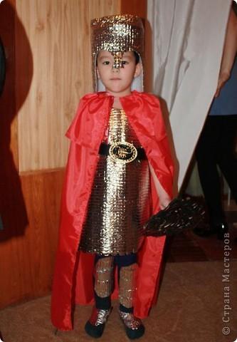 Дочь Маруся в костюме Нюши из Смешариков. Делала из папье-маше, шляпа украшена в технике торцевания. фото 5
