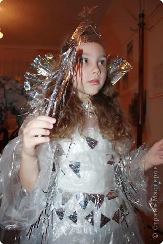 Дочь Маруся в костюме Нюши из Смешариков. Делала из папье-маше, шляпа украшена в технике торцевания. фото 8