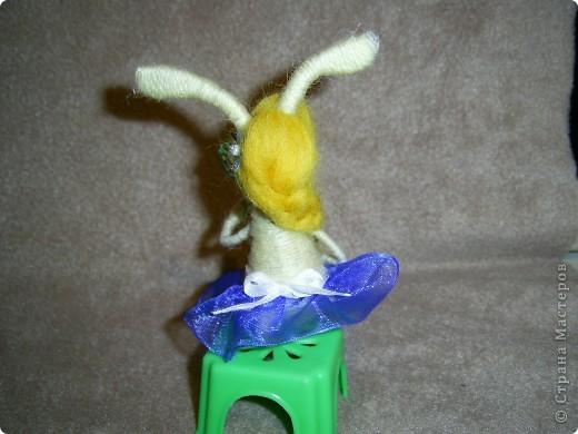 Ну вот и еще несколько зайцев-котиков  у меня накрутилось, принимайте)))) Сразу же предупреждаю - много фото, вы же знаете мою слабость))))   Это вот зайка блондинка-красавица-модница. Любуется на себя ненаглядную в зеркальце)) фото 3