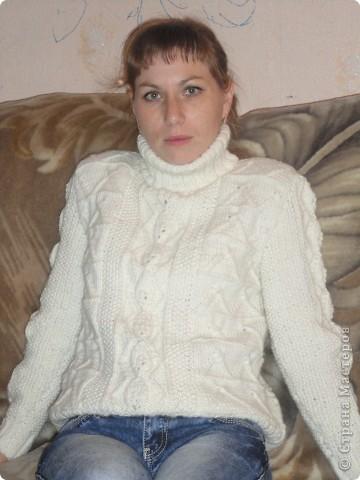Вот такой теплый свитерок получился. фото 1