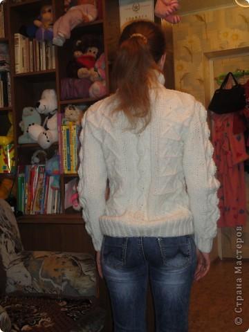 Вот такой теплый свитерок получился. фото 2