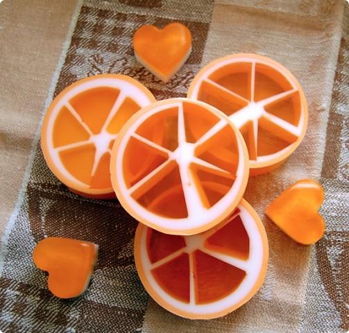 Мыло апельсиновое, декорированное сердечками фото 1
