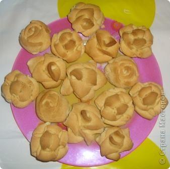 Чай всегда приятно пить с печеньицами. Я иногда делаю их в виде цветочков. фото 1