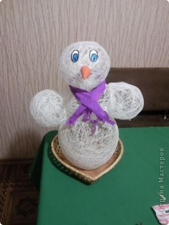 Вот в таком наряде наш Снеговик-Весельчак, завтра поедет в Кирюшин дет.сад. фото 4