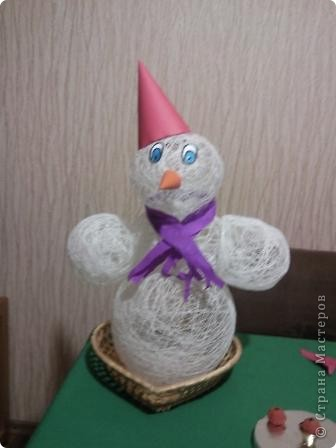 Вот в таком наряде наш Снеговик-Весельчак, завтра поедет в Кирюшин дет.сад. фото 3