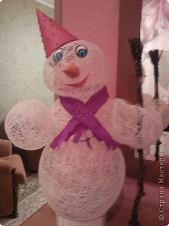 Вот в таком наряде наш Снеговик-Весельчак, завтра поедет в Кирюшин дет.сад. фото 2