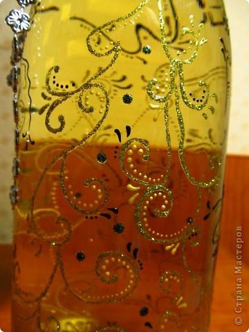 Выложила новую (доработанную) украшенную бутылочку. Сделать ее достаточно просто. Фоток много выложила, чтоб лучше рассмотреть можно было.. фото 4