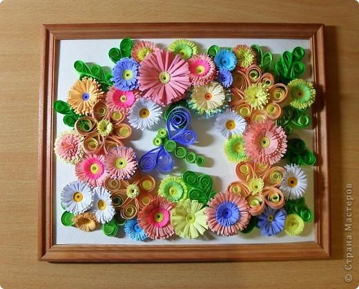 Лета хочу!  У меня было накручено много-много цветочков. Пришла в голову вот такая идея и  поэтому картина собралась буквально за пару часов.