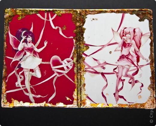 Синтетическая обложка, декорированная в технике декупаж, искусственно состаренная кракелюрным лаком. В декоре использовалась распечатка работы художника Caia Koopman. фото 5