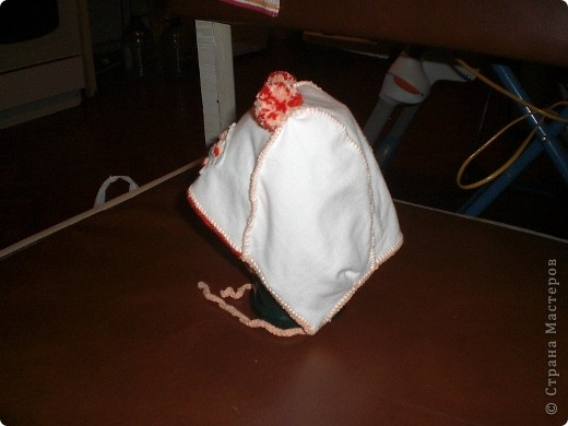Эту шапочку шили с соседкой по палате пока лежала в больнице с доченькой. Здесь все делалось вручную!!! фото 2