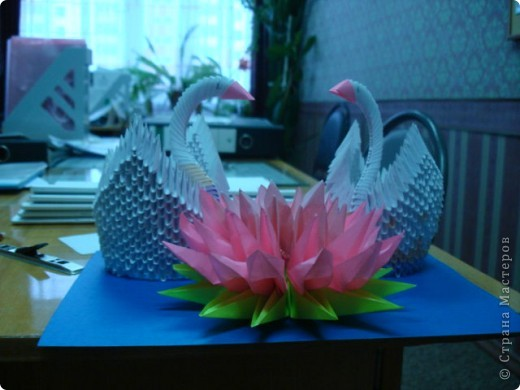 Моя одна из первых работ. Лебеди   фото 2