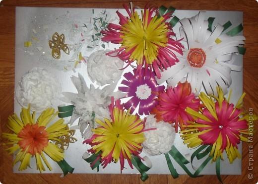 Познакомившись с вашим сайтом решила попробовать, какие цветочки у нас получаться с дочкой из бумаги.