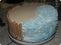 Решила рассказать как можно дома сделать простой и красивый по оформлению тортик, вот такой кусочек пляжа получился у меня фото 12