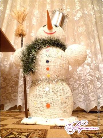 Вот такого снеговичка сделала я к празднику своему внучку Глебу.  фото 1