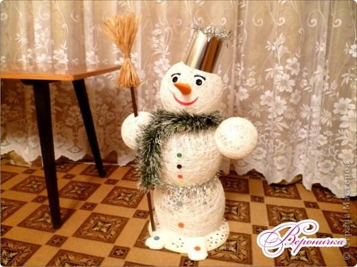 Вот такого снеговичка сделала я к празднику своему внучку Глебу.  фото 2