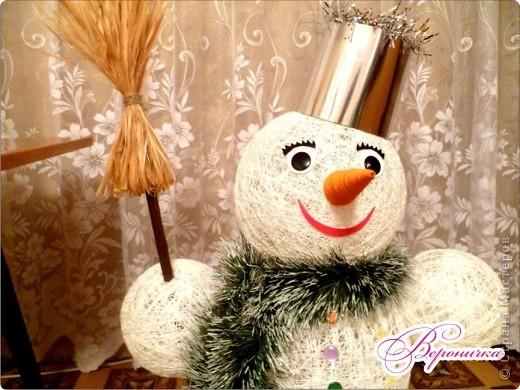 Вот такого снеговичка сделала я к празднику своему внучку Глебу.  фото 3