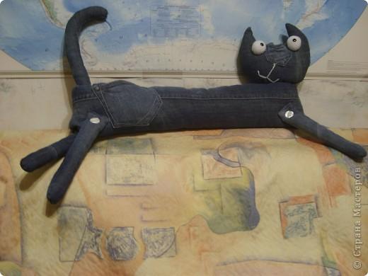 Наши любимые джинсы превращаются в КОШЕК!  Кот Сквозняк от Любы Черкасовой фото 2