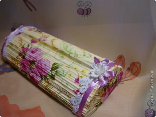 После изготовления свечек из журналов , пришла идея изготовить вот такой держатель-подставку для фото. фото 5
