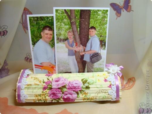 После изготовления свечек из журналов , пришла идея изготовить вот такой держатель-подставку для фото. фото 7
