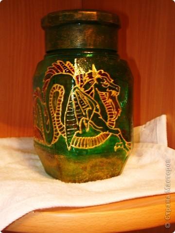 баночка и скляночка. бутылочка уже приспособлена под святую водичку, в баночке уголь для ладана фото 2